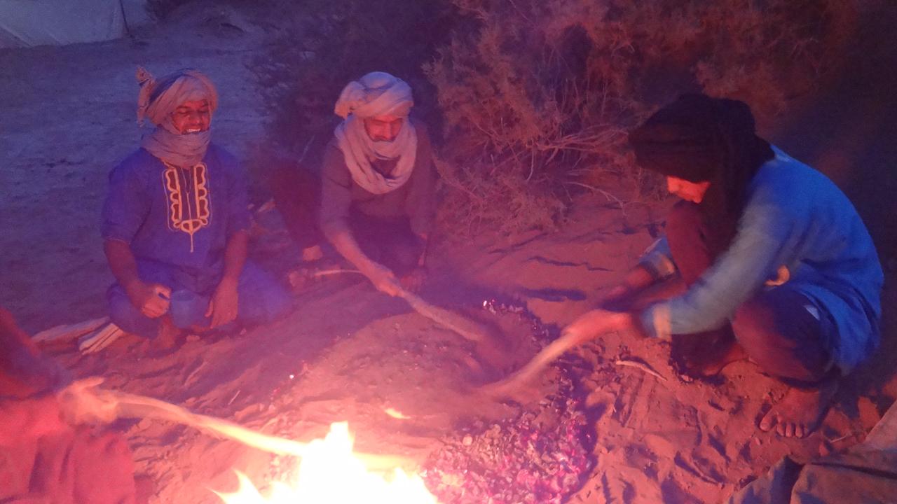 Day 2 : From Erg Bousnina To Erg Zahar
